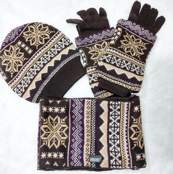 Muk Luks Accessories - Muk Luks Beanie, Gloves & Scarf Gift Set